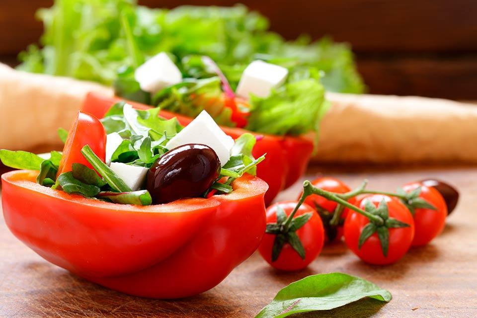 Ossa meno fragili nel post menopausa se si segue una dieta mediterranea