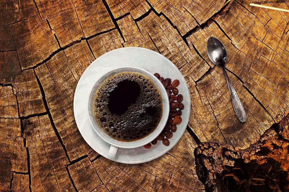 Caffeina, salute e menopausa. Quali gli effetti?