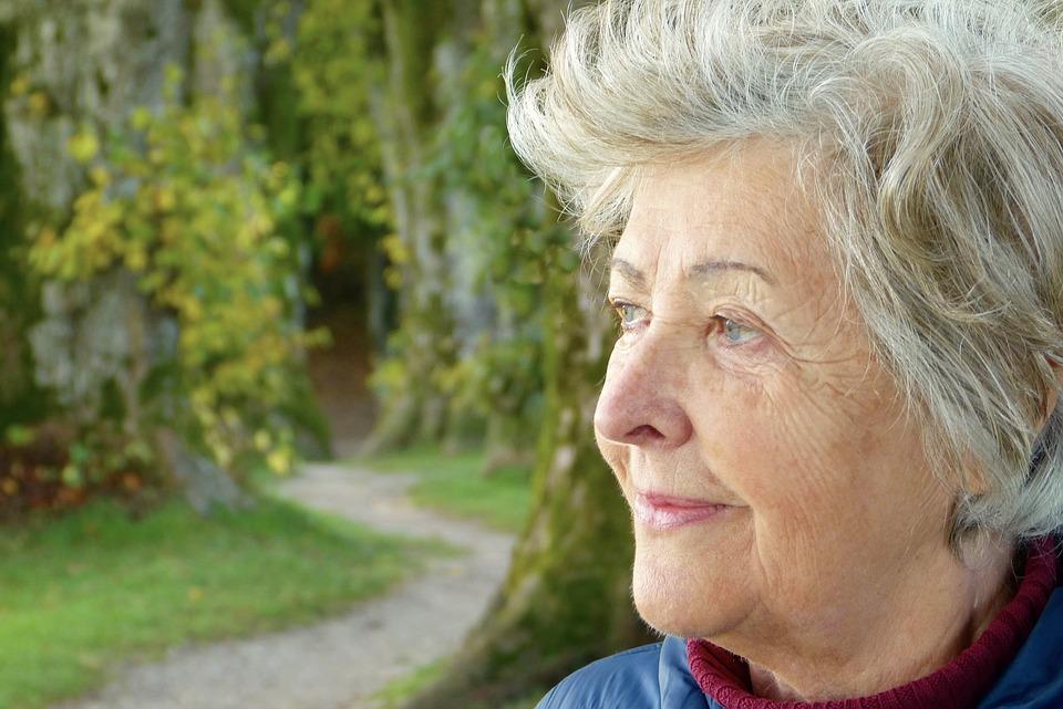 Controlli ossei continui nella prevenzione delle fratture nelle over 65